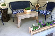 How to make DIY Hexagon Planters, free plans and picture tutorial. Scrap Wood Crafts, Scrap Wood Projects, Woodworking Projects Diy, Diy Wood Planters, Diy Planters Outdoor, Planter Boxes, Diy Furniture Easy, Outdoor Furniture Sets, Pallet Furniture