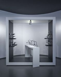 aquaMART sanitary showroom by FLÓ Architects, Budapest store design