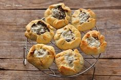 placinte carne coapte pe gratar Muffin, Breakfast, Food, Morning Coffee, Essen, Muffins, Meals, Cupcakes, Yemek