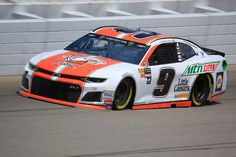 Chase Elliott, driver of the Mountain Dew/Little Caesars Chevrolet, practices for the Monster Energy NASCAR Cup Series Firekeepers Casino 400 at Michigan International Speedway on June 2018 in Brooklyn, Michigan. Nascar News, Nascar Race Cars, Nascar Sprint Cup, Bristol Motors, Chase Elliott Nascar, Jr Motorsports, Monster Energy Nascar, Nascar Diecast, Vintage Race Car