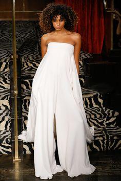 FWAH2016 les robes de mariee blanches de la Fashion Week http://www.vogue.fr/mariage/tendances/diaporama/fwah2016-les-robes-de-mariee-blanches-de-la-fashion-week/26472#fwah2016-les-robes-de-mariee-blanches-de-la-fashion-week-3                                                                                                                                                                                 Plus