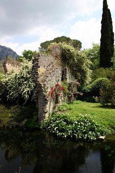 Giardino di Ninfa - Lazio, Italy
