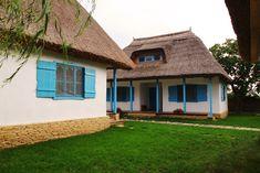 Chirpici: despre tradițional și contemporan în peisajul Deltei Dream Hotel, Danube Delta, Medieval Houses, Vintage Homes, Farm Cottage, Traditional House, Romania, Tourism, Sweet Home