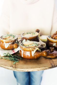 Fall Soup Recipes : Homemade Smoked French Onion Soup perfect for a winter dinner party Waiting On Martha Onion Soup Recipes, Dinner Party Menu, French Dinner Parties, Pot Pasta, Le Diner, French Onion, I Love Food, Soups And Stews, Food Inspiration