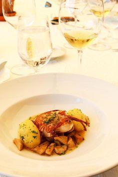 Fisch in Kartoffelkruste mit Salzkartoffeln auf Steinpilzen von Sternekoch Markus Neff   Waldhotel Fletschhorn Saas Fee