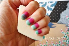 Πώς να βάψεις τα νύχια μόνη σου με… σφουγγαράκι