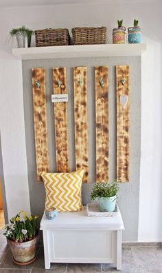 {DIY} Garderobe (s'Bastelkistle) - Home Accessories Diy Cute Home Decor, Diy Home Decor Projects, Diy Pallet Projects, Pallet Ideas, Pallet Furniture, Furniture Projects, Living Room Pictures, Farmhouse Style Decorating, Wooden Diy