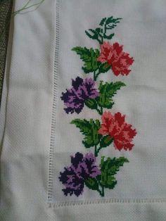 Cross Stitch Borders, Cross Stitching, Cross Stitch Embroidery, Hand Embroidery, Cross Stitch Patterns, Handmade Crafts, Diy And Crafts, Christmas Cross, Boards