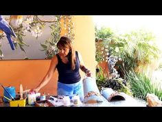 ADRIANA LEONEL - PINTURA EM TELHAS E CASCALHOS DE RIO - YouTube Patch Aplique, Youtube, Sweet, Bottle Crafts, Painting On Tiles, Sewing Toys, Recycled Bottles, Craft Videos, Creative Art