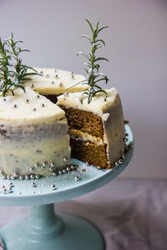 christmas in july cake | theswirlingspoon.com