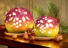 Lichtkugeln, burgund - Sie eignen sich für draußen und bereichern z.B. Ihren Garten oder Ihre Terrasse um ein imposantes Lichterspiel.