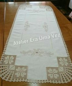 This Pin was discovered by Sib Filet Crochet Charts, Crochet Doily Patterns, Crochet Borders, Crochet Doilies, Lace Table Runners, Crochet Table Runner, Crochet Tablecloth, Crochet Home, Diy Crochet
