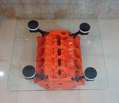 Mesa feita com bloco de motor V8 de Dodge Charger Dart 318. Man cave, Custom, Upcycle. Engine table.