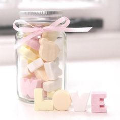 Round Favour Jars  Wedding Party Table by TheSweetGiftCompany