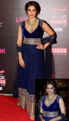 2840367fd96d Bipasha Basu kalkifashion screen awards velvet Pakistani Outfits