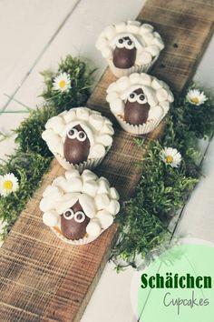 Ich hab letztens diese Schäfchen Cupcakes in einer netten Zeitschrift entdeckt und wollte sie unbedingt nachmachen. Sehen sie nicht süß...