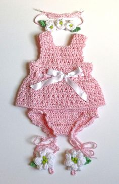 Baby Girl Crochet, Crochet Baby Clothes, Crochet For Kids, Baby Dress Patterns, Sewing Patterns Free, Crochet Patterns, Vestidos Bebe Crochet, Baby Girl Birthday Dress, Pink Summer