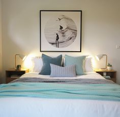 Coastal bedroom by Sapphire Living Interiors
