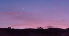 https://flic.kr/p/G5sJEQ | 20160408-Good night, moon... | #dakota #POTD #Day1560 #sunset #badlands #moon #SouthDakota #nationalpark