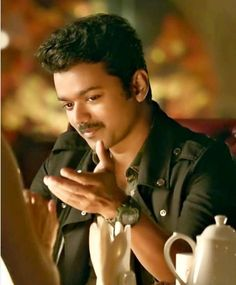 Actor Vijay Family Photos with Wife Sangeetha, Son Sanjay and Daughter Divya Actor Picture, Actor Photo, Nayanthara In Saree, Mersal Vijay, Indian Movie Songs, Surya Actor, Allu Arjun Images, Actor Quotes, Vijay Actor
