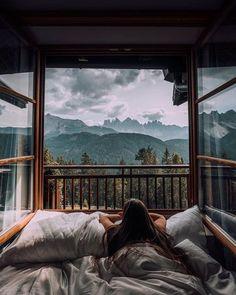 Comfortable and safe mountain house design! #mountain #mountainhouse #mountainhousedecor #homedecor #homedecorideas