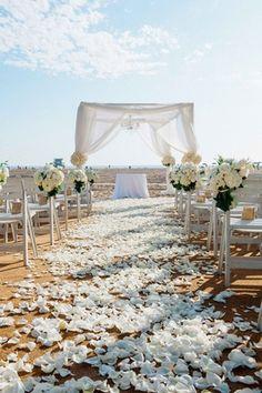 All-White Beach Wedding    Photography: Yvette Roman Photography   Read More:  http://www.insideweddings.com/weddings/all-white-wedding-at-a-beach-club-in-santa-monica-california/706/