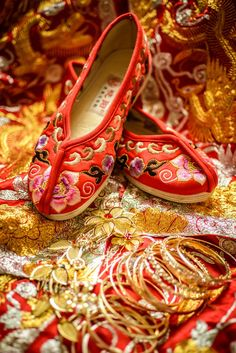Wedding slippers and gold jewellery as part of Chinese tradition. Lu and Kat's Stylish Wedding in Qingdao, China