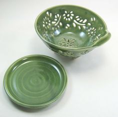 berry bowl by glynt pottery on etsy |Pinned from PinTo for iPad|
