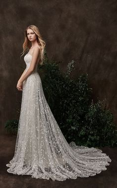 Wedding dress by Chic Nostalgia.