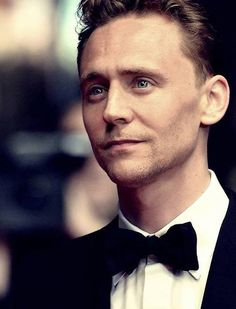 Tom Hiddleston... he's been on my Christmas List for quite a while... Santa, I'm still waiting
