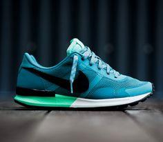 Nike Air Pegasus 83/30 – Mineral Teal / Green Glow