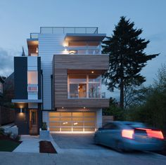 Wood, Windows Star in Modern Seattle Home With Lake Views - http://freshome.com/modern-seattle-home/