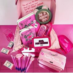 We've officially made 'fetch' happen with our Spectrum x Mean Girls range. Choose from the Burn Book, Fetch Set or like really pretty accessories and join the Plastics . Best Birthday Quotes, Bff Birthday Gift, Mean Girls Makeup, Makeup Goals, Beauty Makeup, Mean Girls Party, Ariana Grande Fotos, Glossy Makeup, Bff Gifts