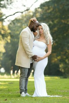 37 weeks, pregnancy shoot, pregnant, love, interracial, maternity Interracial Family, Interracial Dating Sites, Interracial Marriage, Interracial Wedding, Black Guy White Girl, Black And White Couples, White Girls, Interacial Love, Interacial Couples