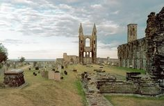 Stones of St. Andrews -- *sigh* this is where I want to live.  It was gorgeous here.  I'd go back in a heartbeat.