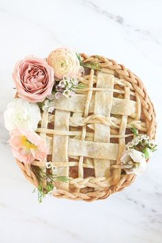 Formal Wedding Pie With Flowers And Lattice Detail. Decked Out In Flowers And A Braided Crust, A Beautiful Wedding Pie Like This Will Make The Reception Guests Forget All About A Cake. Slow Cooker Desserts, Bbq Dessert, Dessert Recipes, Dessert Tables, Cake Recipes, Apple Recipes, Just Desserts, Delicious Desserts, Yummy Food