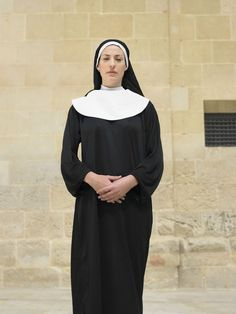 Sew a Nun Habit Costume for Halloween with These Tips
