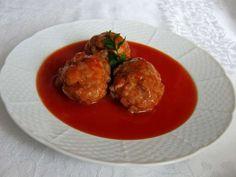 Mäsové guľky v paradajkovej omáčke • Recept | svetvomne.sk