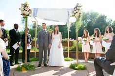 Outdoor simple pretty chuppah // Found on Modern Jewish Wedding Blog // Photographer: Traci J. Brooks Studios