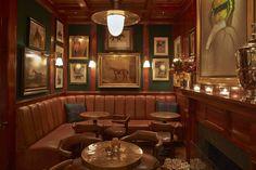 Le Polo Bar à New York le restaurant Ralph Lauren Restaurant New York, American Restaurant, Restaurant Design, Modern Restaurant, Irish Pub Interior, New York City Bars, Pub Design, Store Design, Pub Decor
