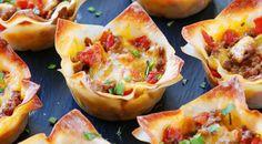 En entrée ou pour un repas, ces petits tacos servis sur une pâte won ton, tout juste sorti du four sont un véritable régal.