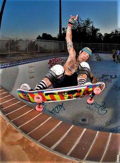 Skate Photos, Skateboard Pictures, Old School Skateboards, Vintage Skateboards, Skate And Destroy, Skate Shop, Skater Boys, Longboarding, Photos