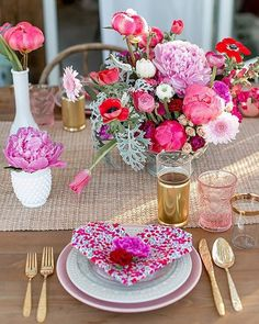 The cutest #ValentinesDay #brunch over on @100layercakelet today. Link in profile to see the rest!  Photo: @katiebeverleyphoto | Design, Styling and Florals: @layeredvintage | Tabletop Rentals: @hostesshaven | Rentals: @adorefolklore #thatsdarling #flashesofdelight
