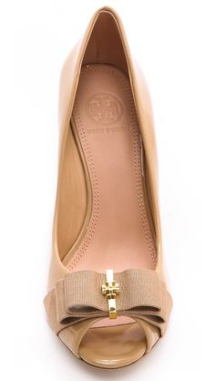 Beautiful bow wedges by Tory Burch