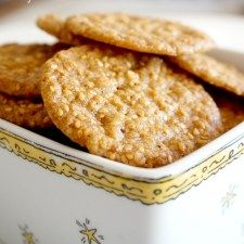 It is very easy to make, long-lasting freshness with plenty of sesame, crispy and crispy sesame wafer cookies were very popular with us. Again different, again delicious, Cookie Recipes Wafer Cookies, Breakfast Tea, Delicious Dinner Recipes, Turkish Recipes, No Bake Desserts, Cookie Recipes, Good Food, Food And Drink, Cooking