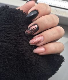 35 Gorgeous Rose Gold Nails Perfect Any Event Guide) : Rose Gold Nail Polish - Black and Rose Gold Nails - Gorgeous Rose Gold Nails Perfect For Summer -Rose Gold Nail Polish, Rose Gold Chrome Nails, Rose Gold Glitter, Rose Gold Gel Nails Gold Gel Nails, Gold Chrome Nails, Rose Gold Nail Polish, Gold Nail Art, Coffin Nails, Rose Gold Chrome, Polish Nails, Cute Nails, Pretty Nails