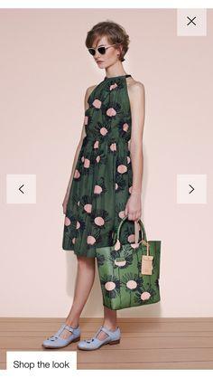 💕 Orla Kiely, Cocktail Outfit, Corte Y Color, Fashion Show, Fashion Design, Women's Fashion, Fashion Images, Mode Inspiration, Retro Dress