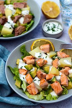 Healthy Salad Recipes 57480 Potato, Avocado and Salmon Salad - Amandine Cooking Healthy Salad Recipes, Healthy Snacks, Guacamole, Plats Healthy, Winter Salad, Salmon Salad, Avocado, Wrap Recipes, Evening Meals