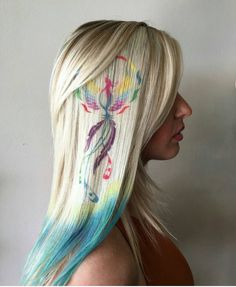 Hair stenciling is exactly what it sounds like; stencils are used to paint beautiful and colorful patterns on the hair. Here are 20 hair stenciling ideas you'll love! Hair Dye Colors, Cool Hair Color, Hair Stenciling, Cool Hair Designs, Glamour Fashion, Pelo Multicolor, Graffiti, Hair Colour Design, New Hair Trends