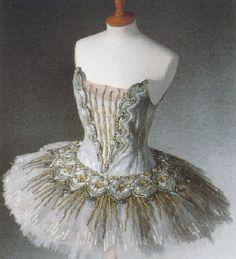 Silver Aurore costume